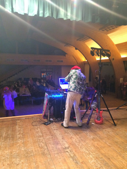 DJ Amore sorgt für Stimmung