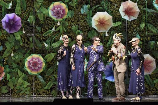 """""""Papageno"""" in """"Die Zauberflöte"""" am Saarländischen Staatstheater / ©Martin Kaufhold"""