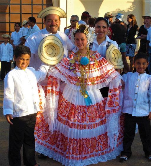 Die traditionelle Tracht von Panamá