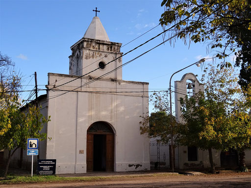 Kirche in Villa 25 de Mayo/San Rafael - 1876 erbaut....