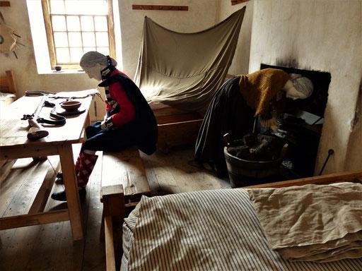 Offiziersunterkunft - Bei Damenbesuch wurde mit Hilfe von Decken etwas Privatsphäre geschaffen ;o))
