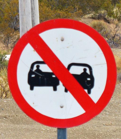 Rechtsgesteuerte Autos dürfen nicht überholt werden