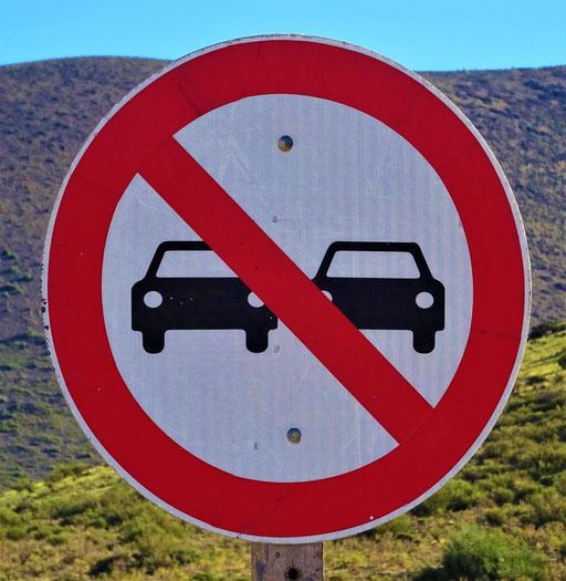 Selbstfahrende Autos dürfen nicht überholen....