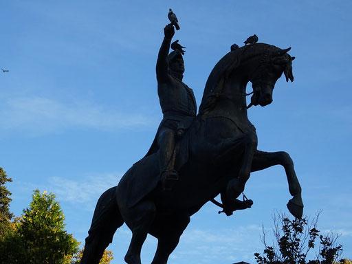 Der argentinische Held General San Martín auf der gleichnamigen Plaza