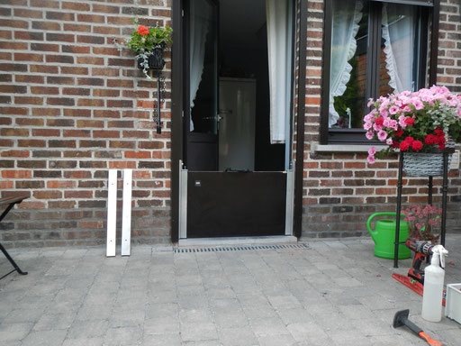 Barriere-anti-inondation-porte-maison-caches en inox  démontés