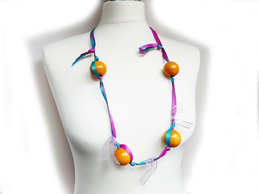 accessori design, realizzato a mano in italia, collana fashion, hearth, collana design, boules legno