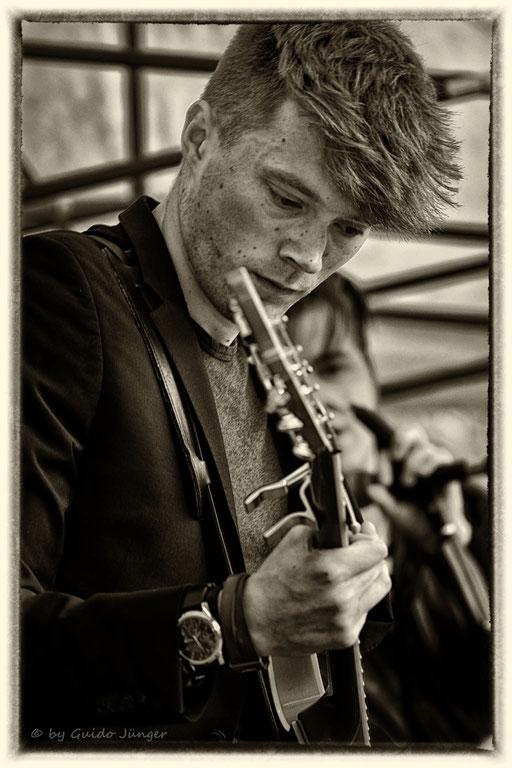 #058 Airweiler 4 - The Backyard Band