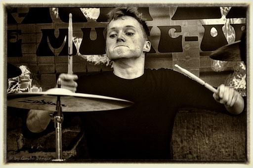 #068 Airweiler 4 - The Backyard Band