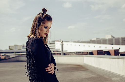 Photographer: Rico Zartner   Model: Laura Muro