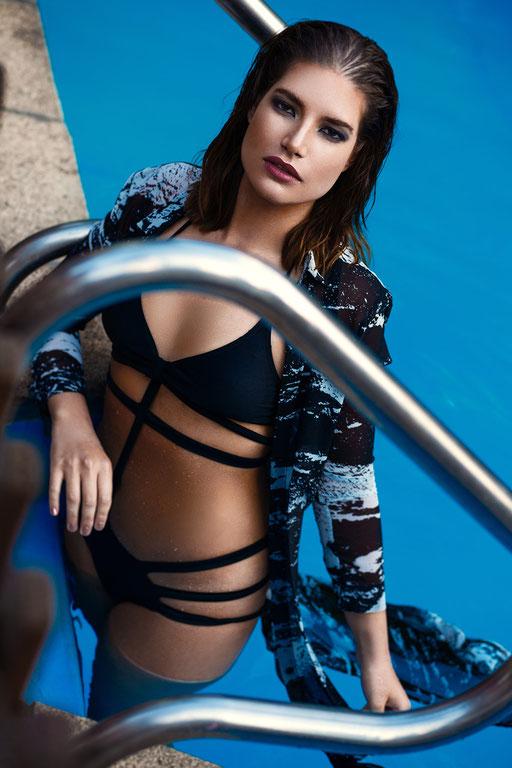 Photographer: Henning Gansel   Model: Laura Muro