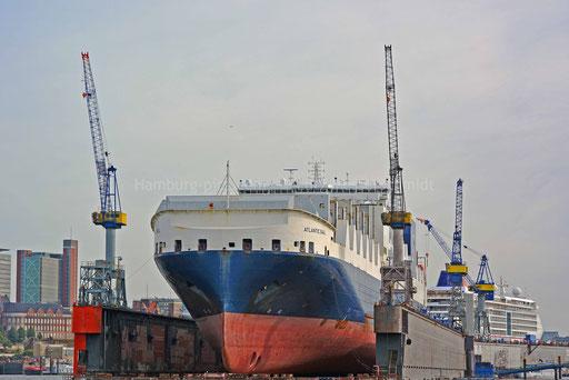 Hamburger Hafen - 219 (ATLANTIC SAIL im DOCK 11)