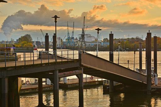 Hamburger Hafen - 105
