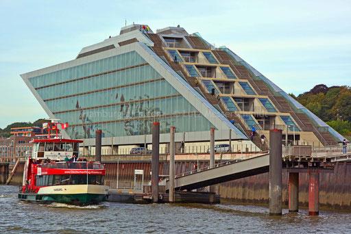 Hamburger Hafen - 221 (DOCKLAND)