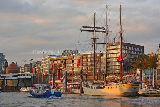 Hamburger Hafen - 110