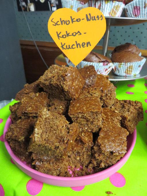 Schoko-Nuss-Kokos-Kuchen, der leichter zu essen als auszusprechen ist