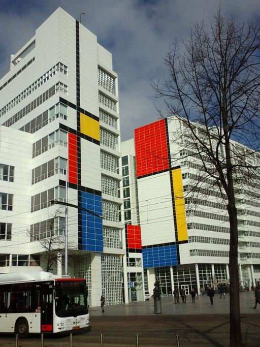 Stadhuis eert Mondriaan