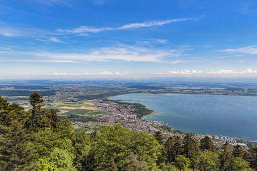 Wunderbare Aussicht auf den Neuenburgersee | (c) Tambako the Jaguar
