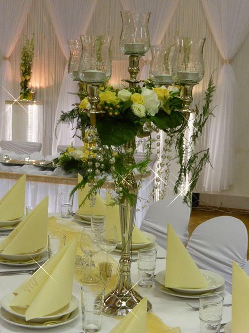 Kerzenständer Blumenkranz