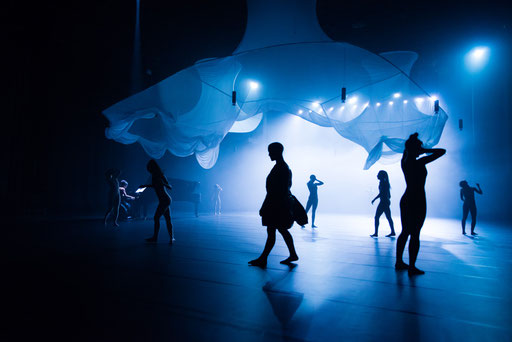 La Mode - by: Tomoko Mukaiyama in cooperation with Spellbound Contemporary Ballet, National Taichung Theater, photo: National Taichung Theater
