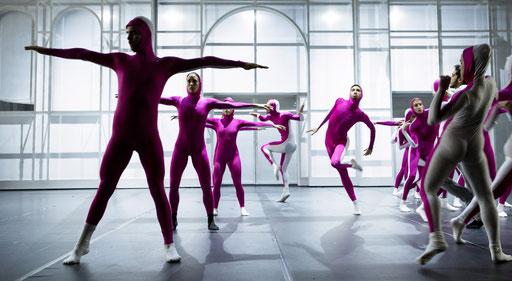 Frankfurt Diaries - Ballett des Staatstheaters am Gärtnerplatz - choreography: Georg Reischl, Reithalle, München; photo: Marie-Laure Briane