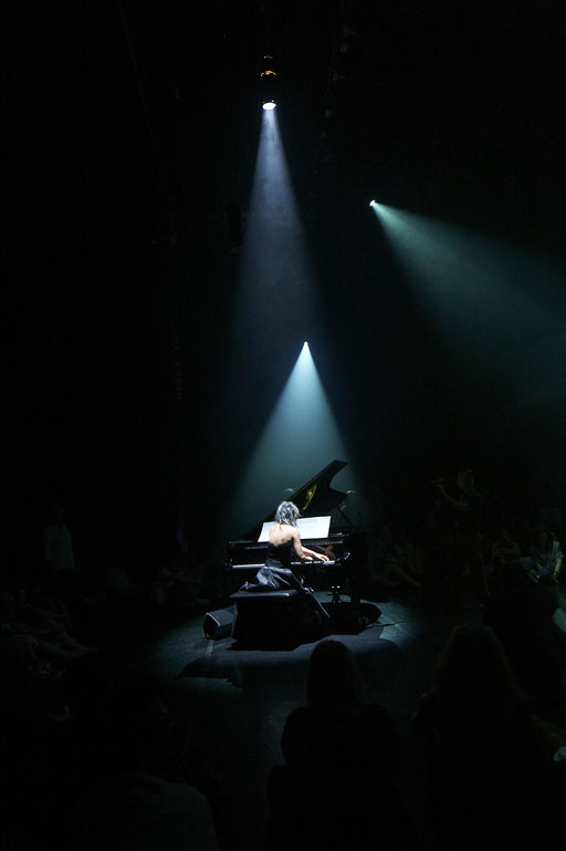 La Mode - by: Tomoko Mukaiyama, Stadtheater Bozen, photo: Gregor Khuen Belasi