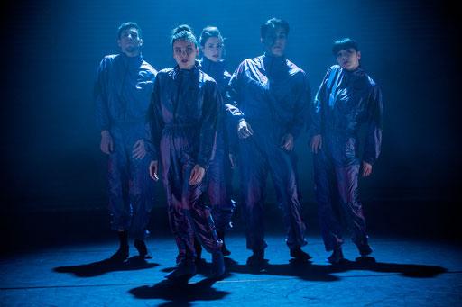 Shorts - by Wubkje Kuindersma, Hessisches Staatsballett; dancers: Margaret Howard, Sayaka Kado, Vanessa Shield, Mirko De Campi, Tatsuki Takada; photo