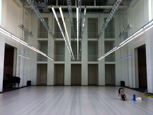Set up of Sider; Festspielhaus Hellerau; light object: Spencer Finch; photo: Tanja Ruehl