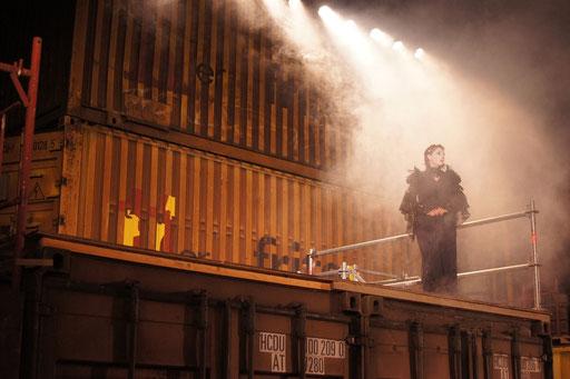 Macbeth - directed by Thomas A. Welte; Shakespeare am Berg, Muttersberg Arena; actress: Michaela Spänle; photo: Martin Schindegger