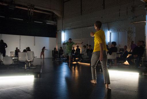Wallen - by Sebastian Matthias; dancers: Jan Burkhardt, Isaac Spencer; photo: Arne Schmitt