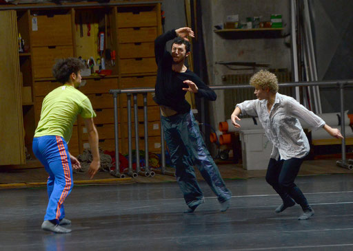 STUDY # 1 - by William Forsythe; dancers: Yasutake Shimaji, Brigel Gjoka, Katja Cheraneva; photo: Umberto Favretto