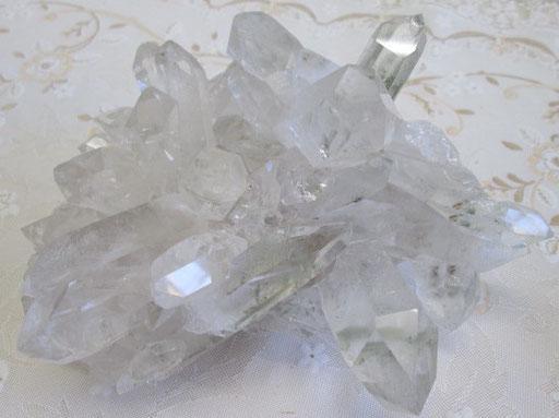 ☆ブラジル ミナス・ジェライス州 トマス・ゴンザガ産水晶クラスター