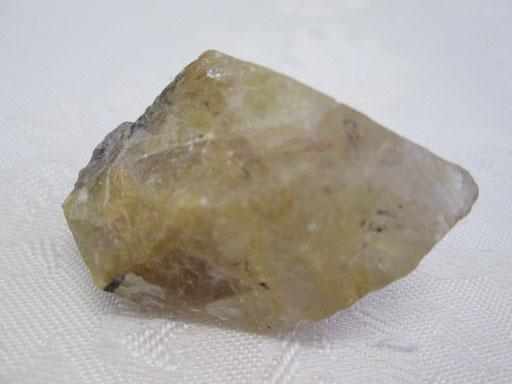 ・ゴールドルチル入り水晶原石