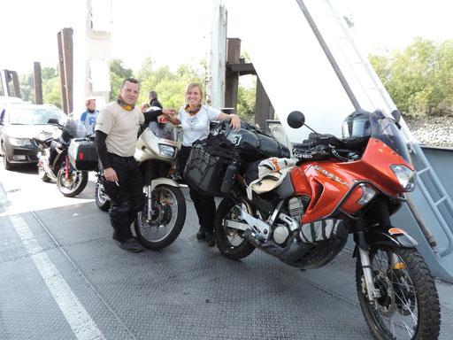 Ein netter Motorradkollege machte noch ein Foto von uns