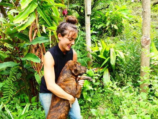 Célia, une volontaire espagnole, professeur de biologie en France