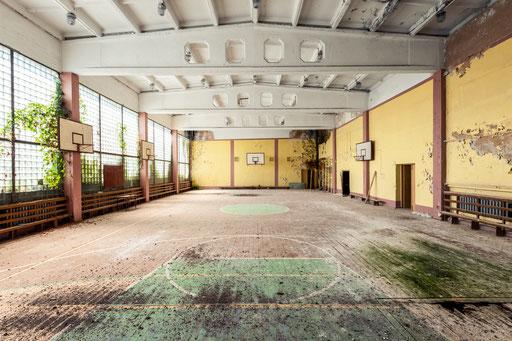 Turnhalle einer ehemaligen Berufsschule