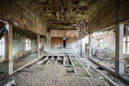 verfallener Ballsaal