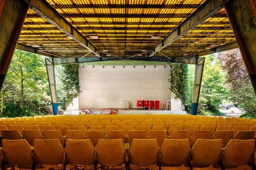 verlassenes Freilichttheater (Ungarn)