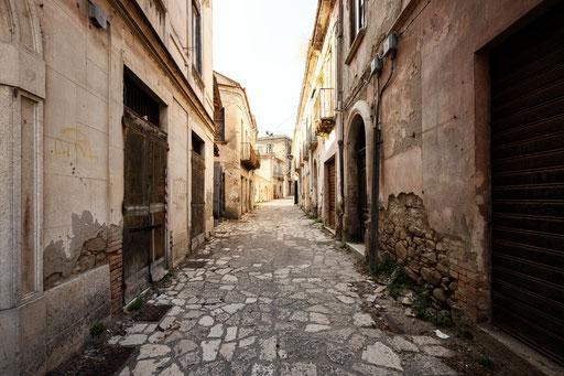 verlassene Geisterstadt (Italien)
