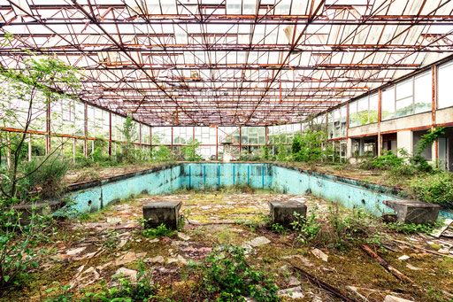 verlassene Schwimmhalle (Italien)