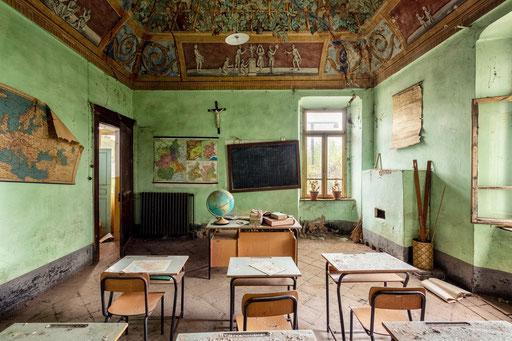 verlassene Dorfschule (Italien)