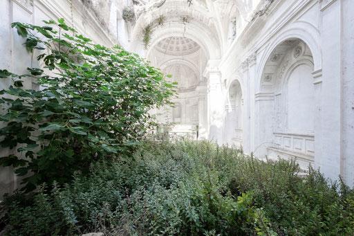 durch Erdbeben zerstörte Kirche (Italien)