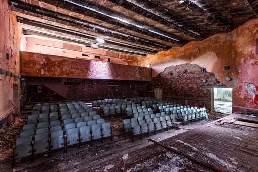 aufgegebenes Theater