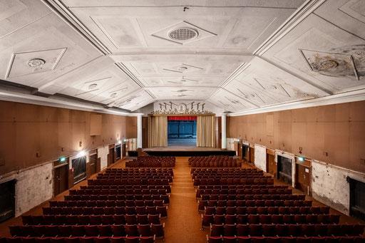 Theatersaal in einer russischen Kaserne
