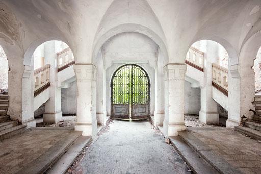 Eingangsportal einer ehemaligen Kaserne (Ungarn)