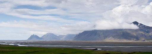 Départ de la rando, on prend tout de suite de l'altitude face au glacier Vatnajökull