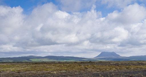 Quelquepart entre Selfoss et Hvolsvöllur, sur la route 1. Vue sur le volcan Hekla.