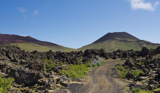 En montant vers le volcan