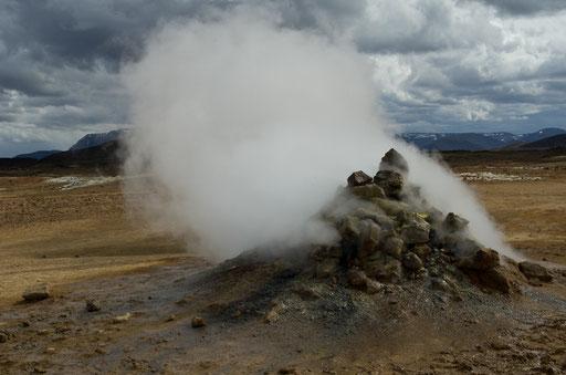 Namafjall et ses curiosités géothermiques