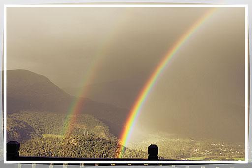 Und zum Abschied gib mir zwei Regenbogen