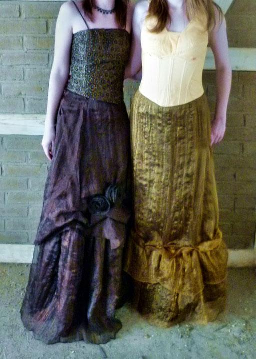 Hochwertige Röcke mit aufwendigen Details - je 20 € - passend dazu die Corsagen (je 21 €) - zusammen statt 41 € nur 38 € -  Stolen oder Bolerojäckchen passend dazu erhältlich
